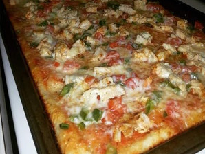 RMR Chicken & Veggie Pizza