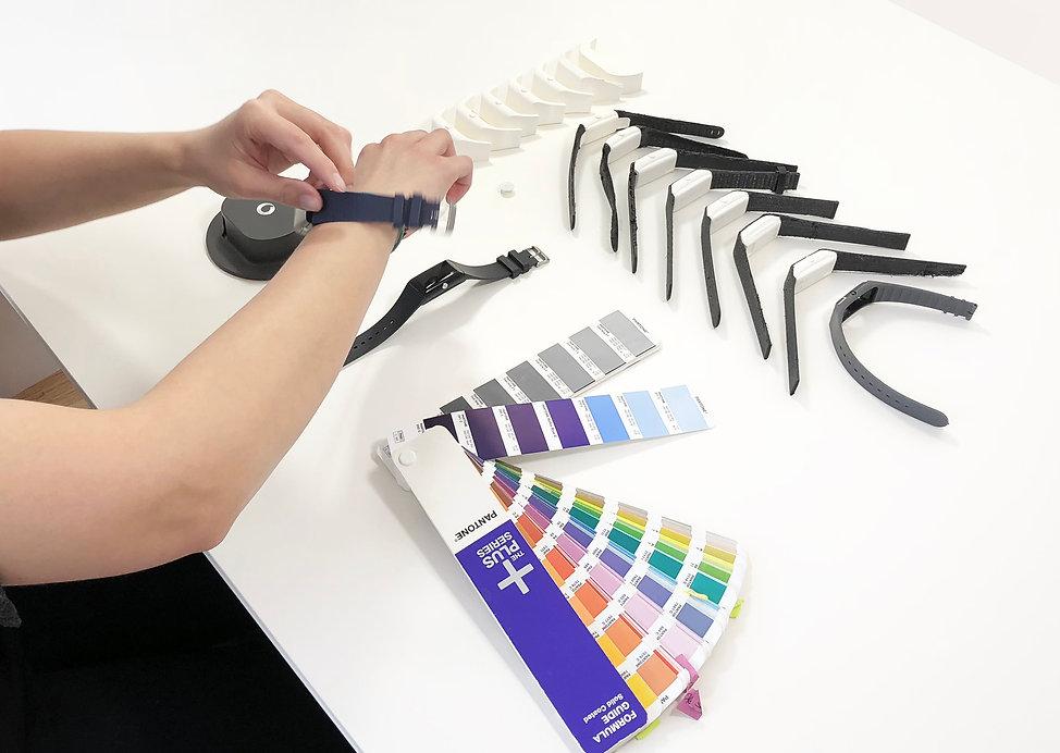 cmf design for wearables by studiomem for vodafone