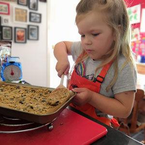 kiddy-baking.jpg