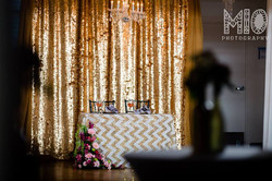 Sweetheart vignette in gold