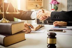 find-good-lawyer-1068x713.jpg
