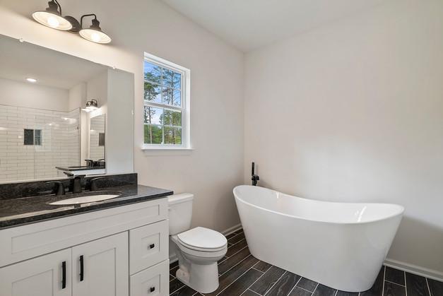 Amberwood Model: Master Bath
