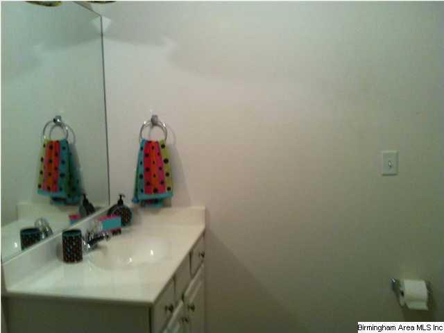 236 Fairview bath 2