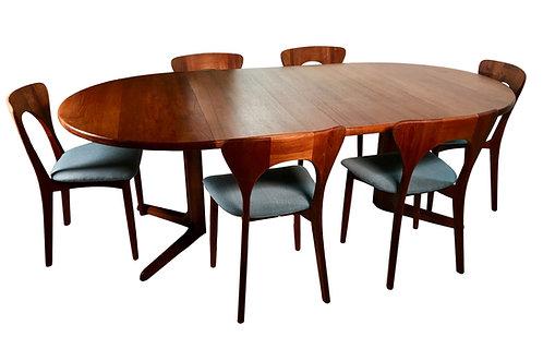 Koefoeds Hornslet Peter Chairs, Møller Skovby Mobelfabrik Table