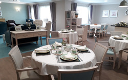 Dining Lounge Stirling Gold