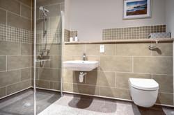 Holdenhurst Show Flat Bathroom