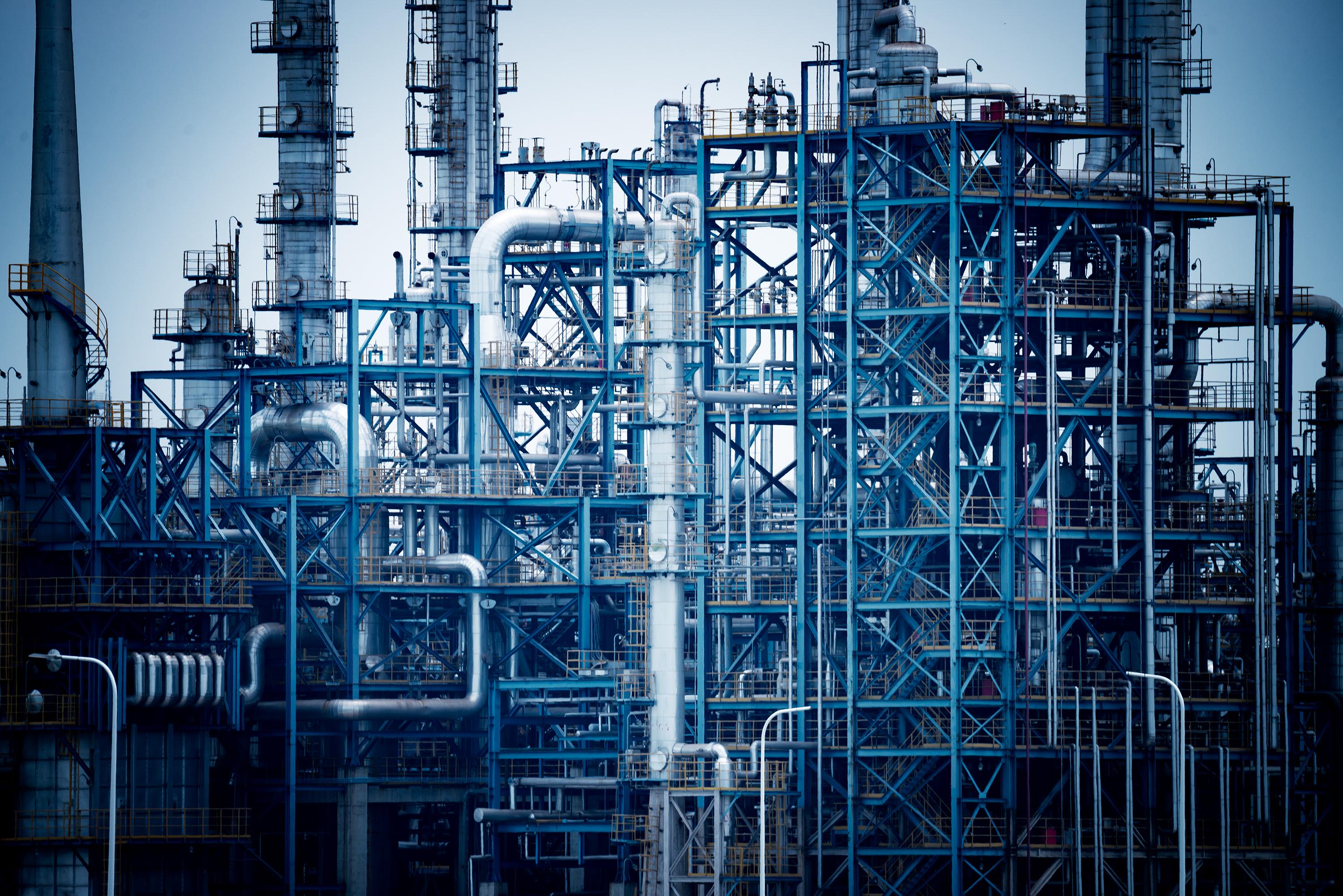 chemical-plant-PD8RXJR