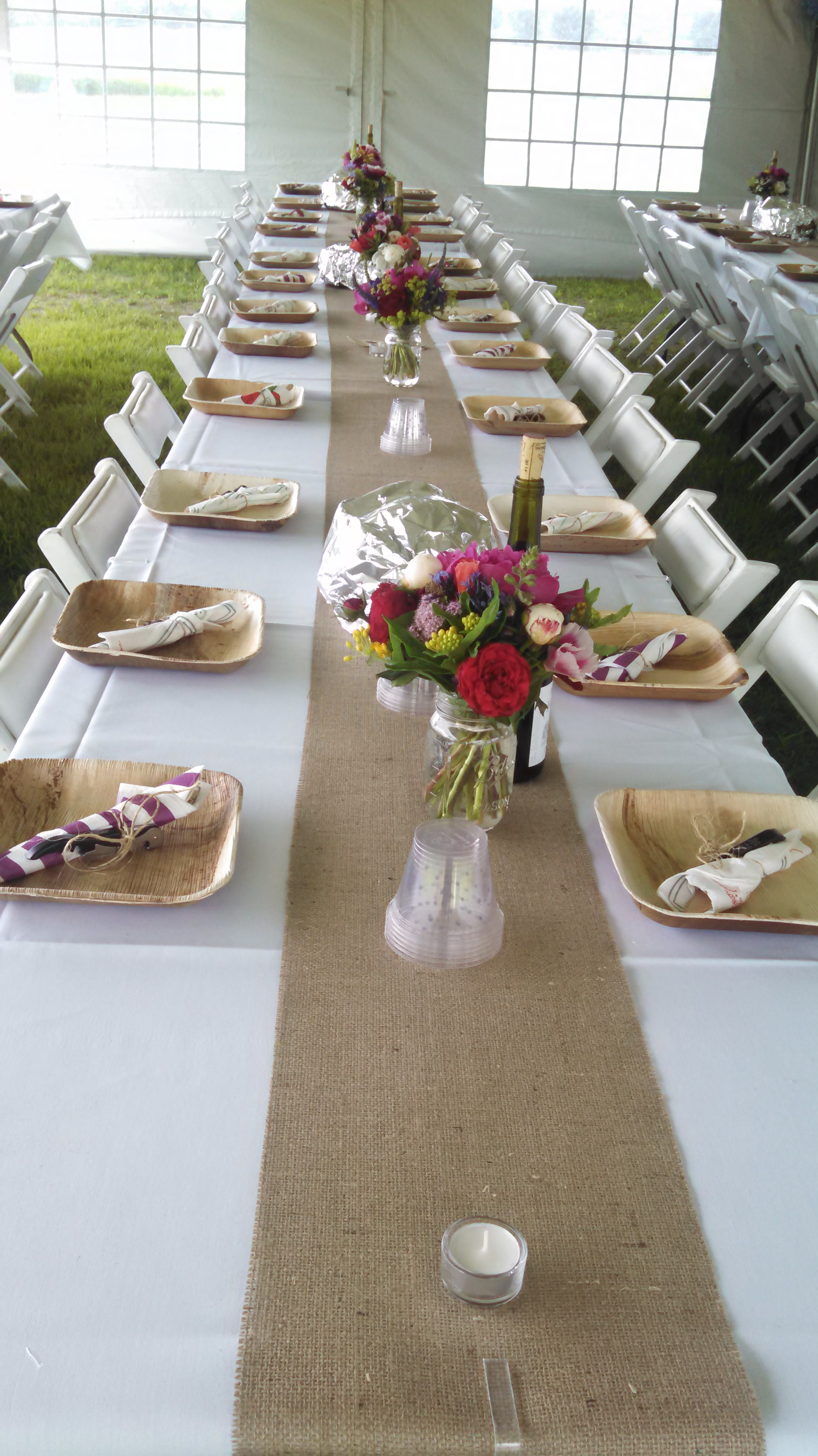 Dining table wcompostables
