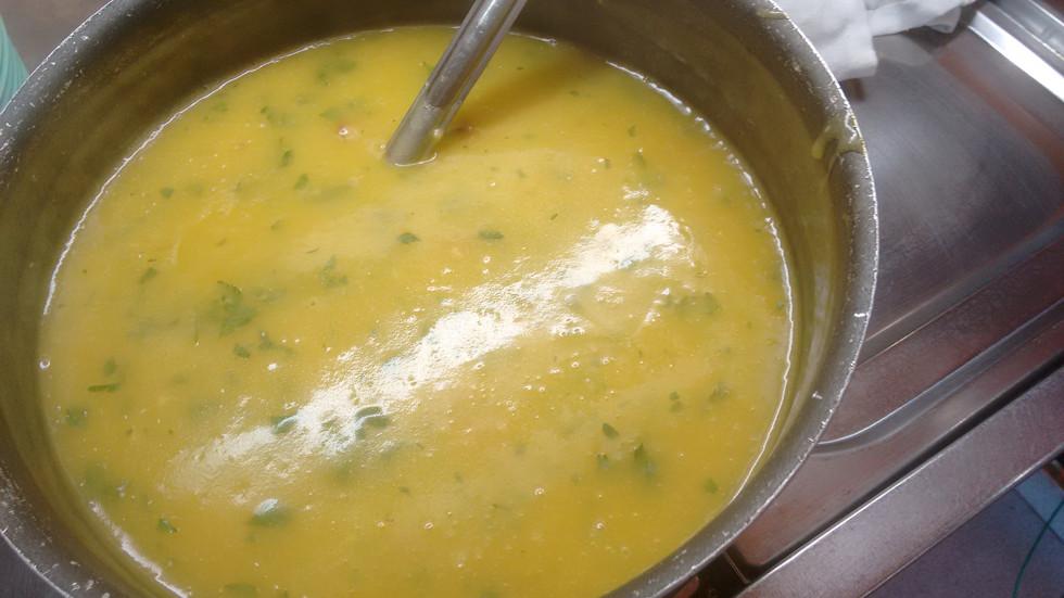 Receita de Sopa de Mandioquinha com Salsinha