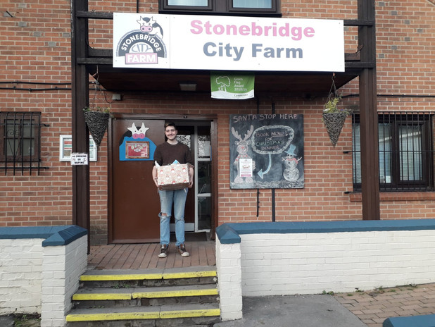 Delivery to Stonebridge City Farm.JPG