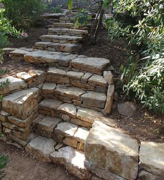 DIMANCHE 17 DÉCEMBRE - Venez construire un escalier en pierres sèches !