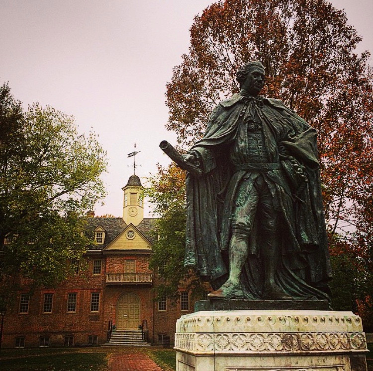Lord Botetourt Statue in front of the Wren Building