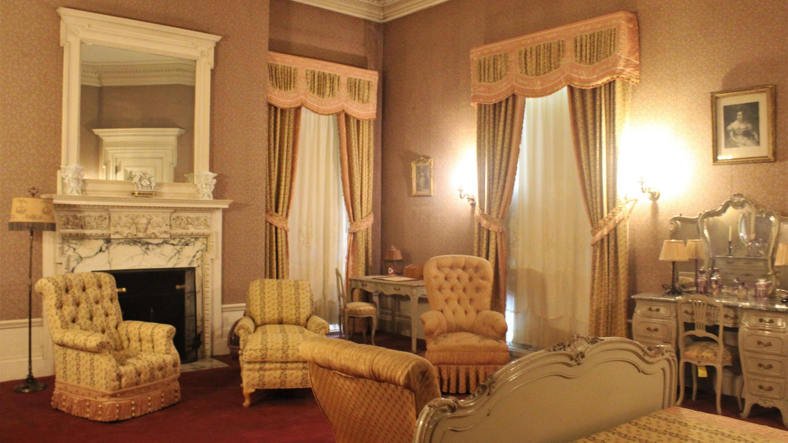 The Mauve Room