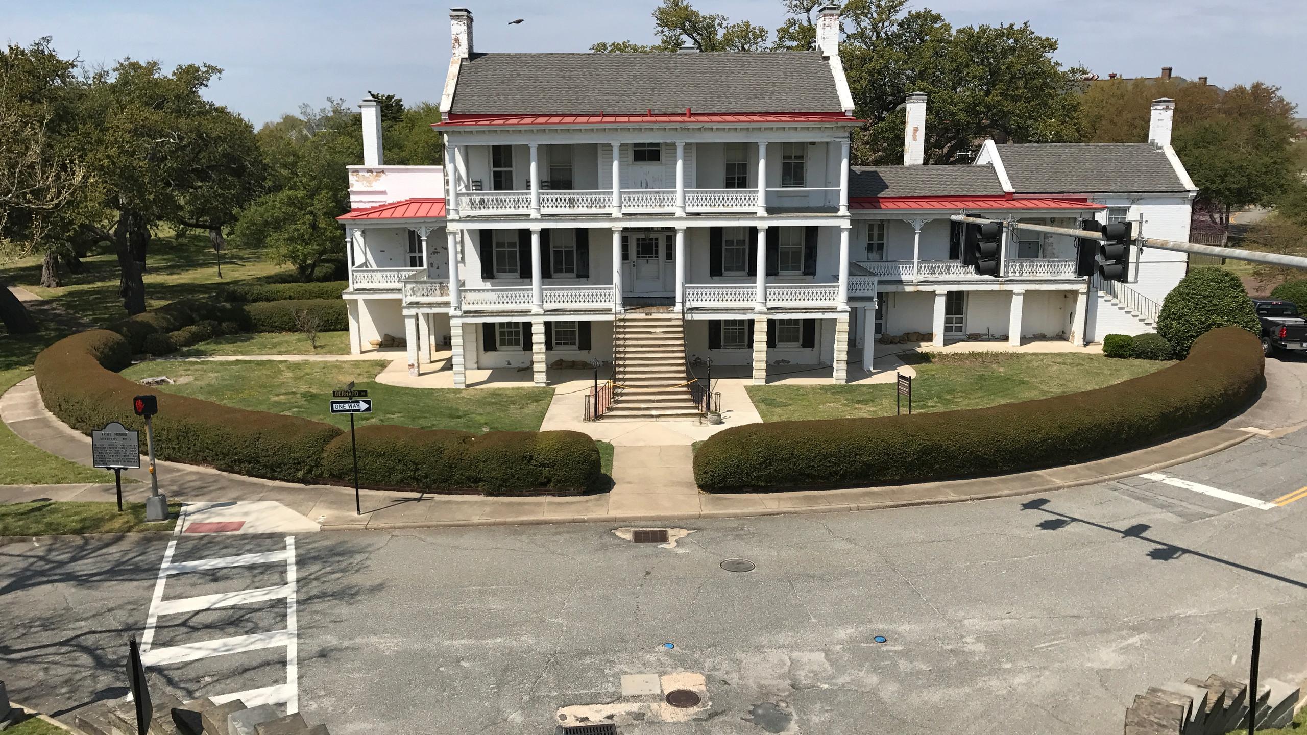Lincoln's Quarters
