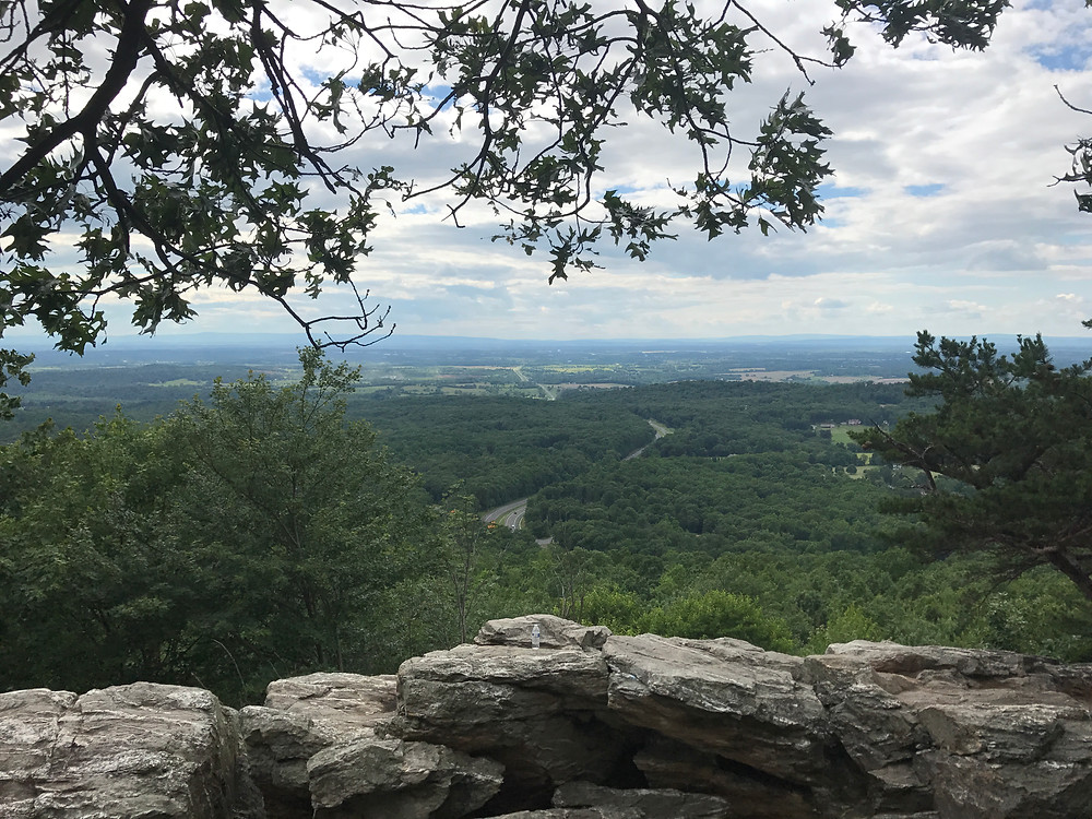 The overlook at Bear's Den