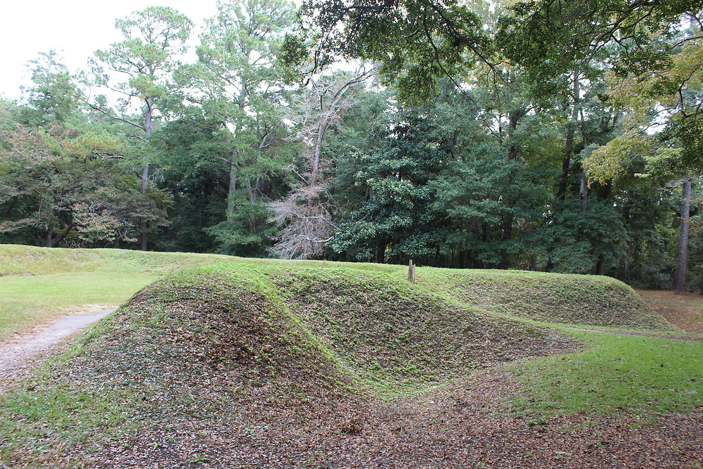 Reconstructed earthworks from 1585 expedition