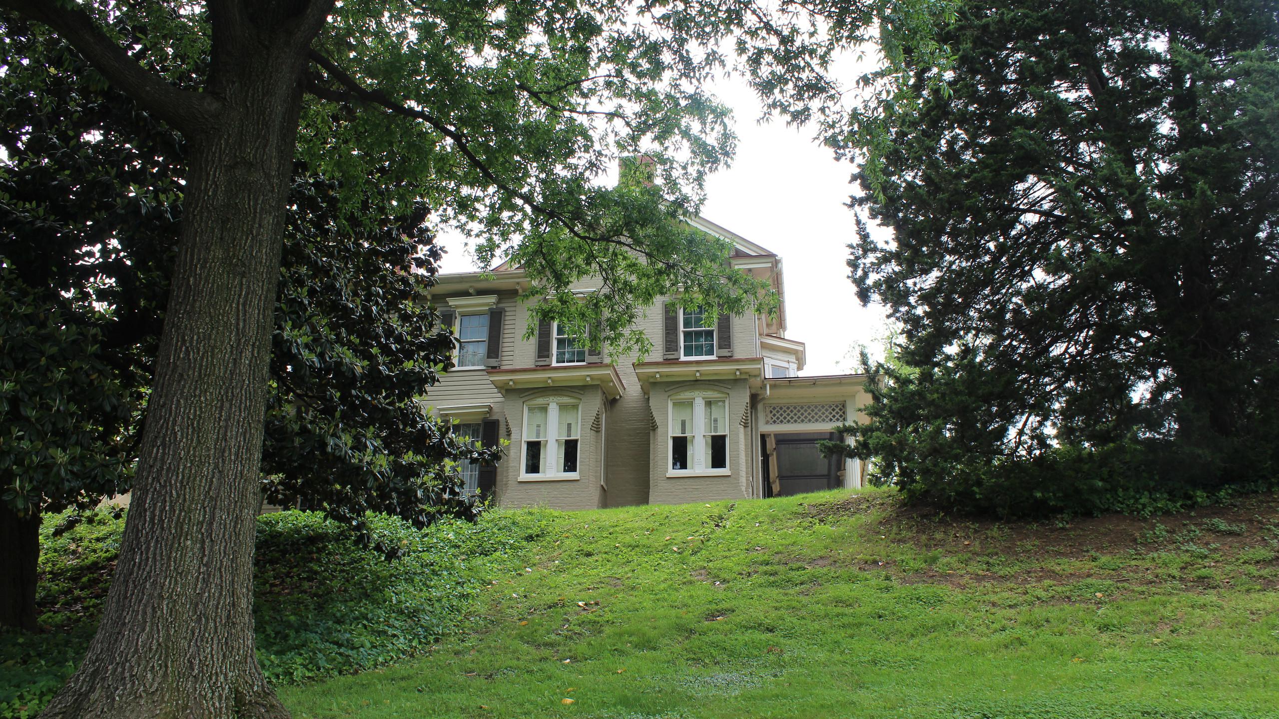 Cedar Hill Estate