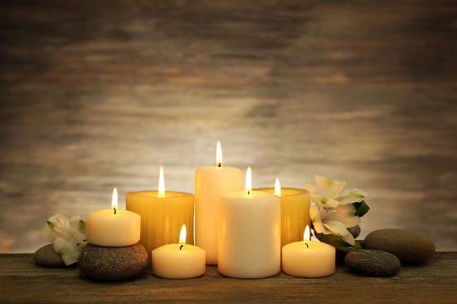 beautiful-composition-with-candles-and-s