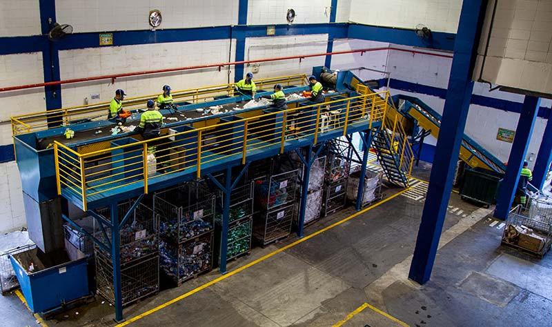 Esteira de triagem de recicláveis Essencis, Koleta Ambiental