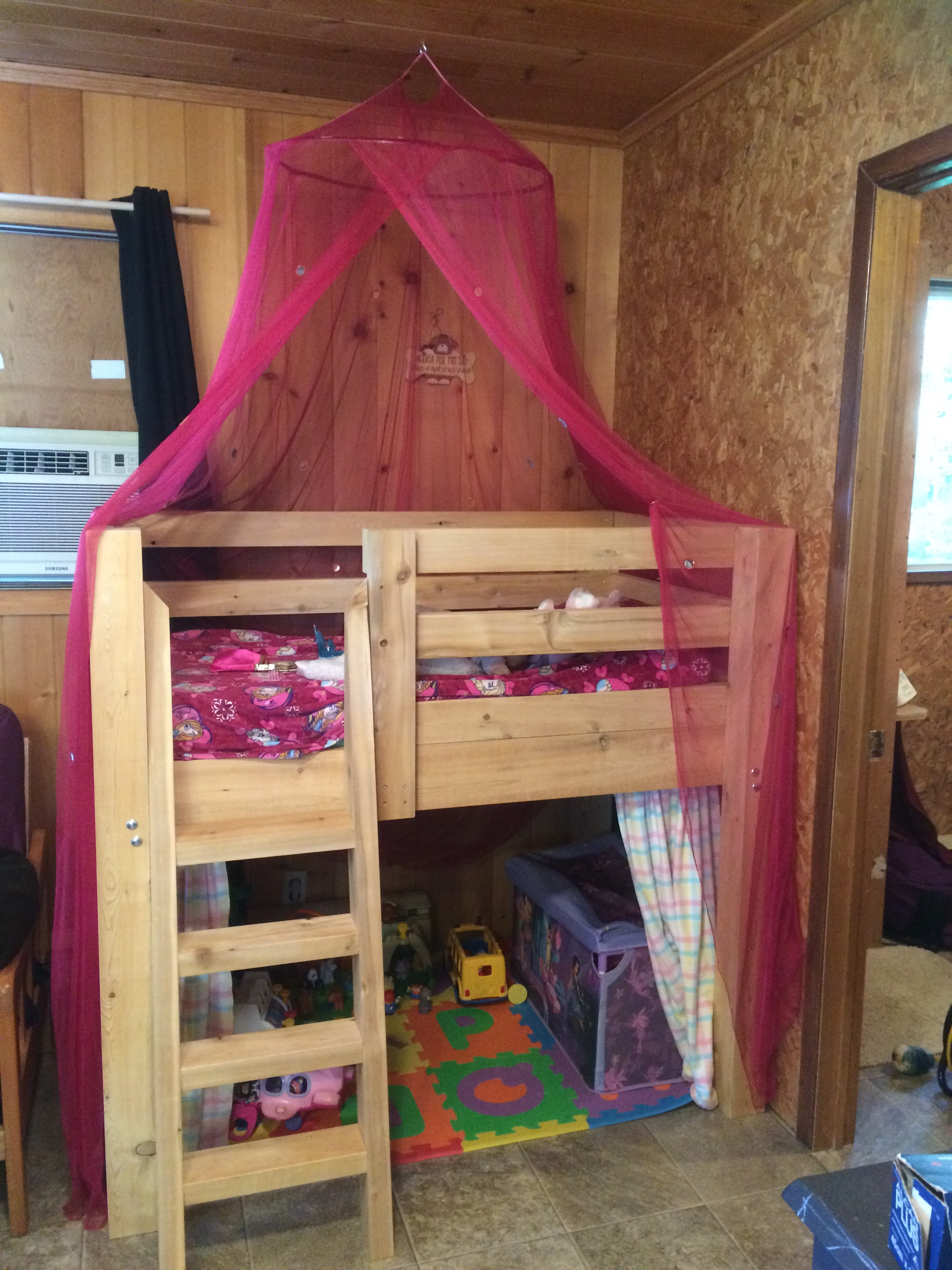 Maddie's new Bed @ camp