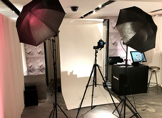 Pop up photo booth studio with share station