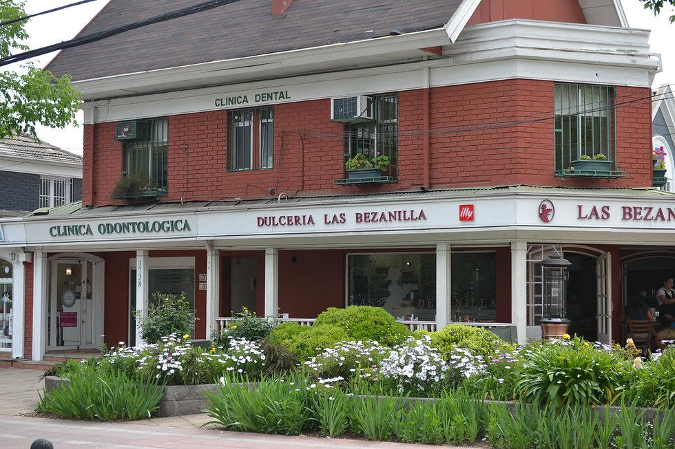 Clínica Dental Vitacura, Av. Vitacura 3738