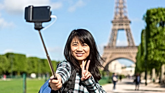 chinese-tourists_featured-992x558.jpg