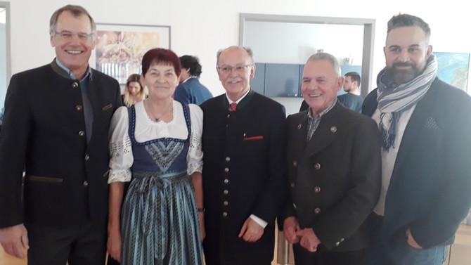 GRATULATION: Ehrenmitglied Josef Mederer feiert 70. Geburtstag