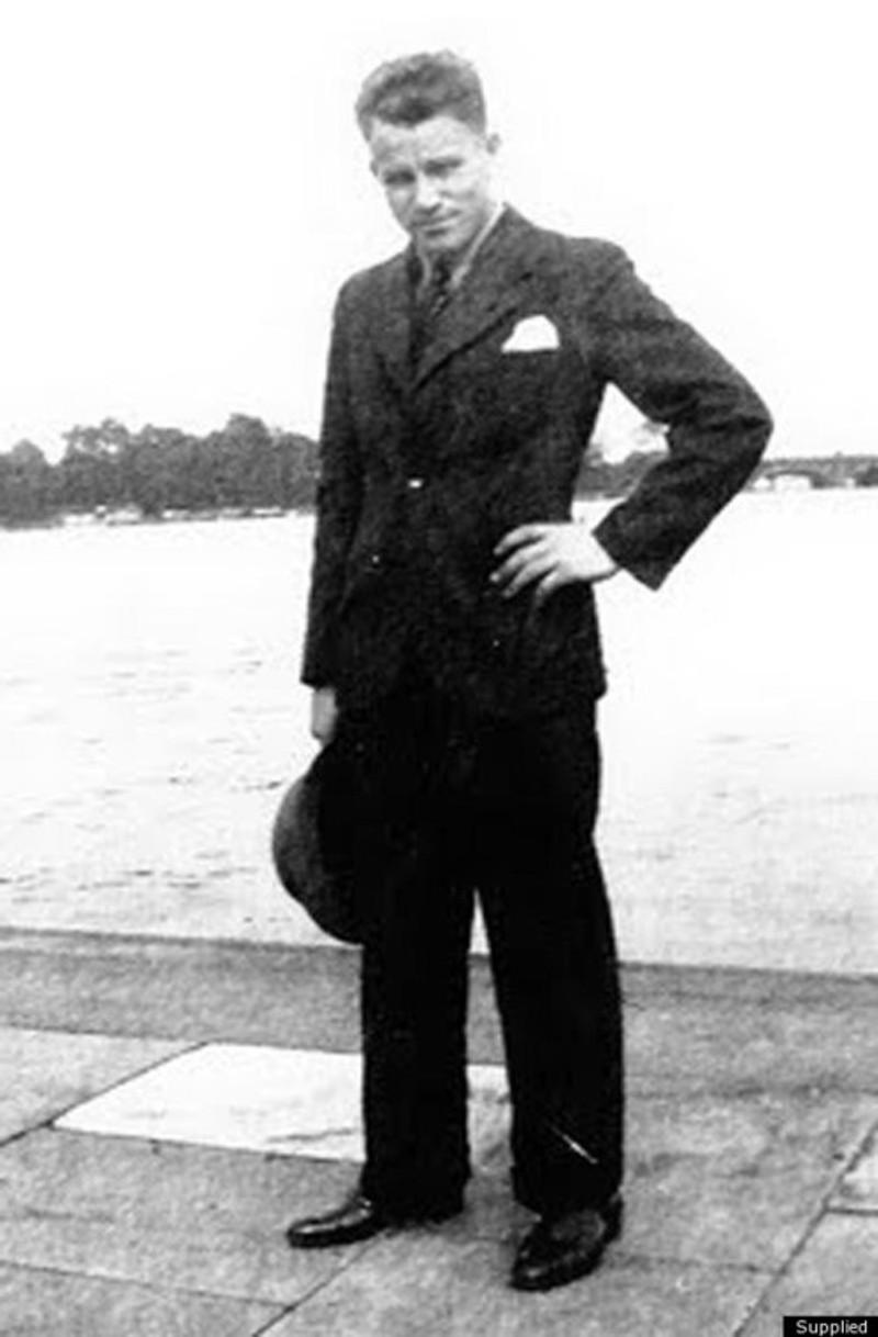 august-landmesser-uniform