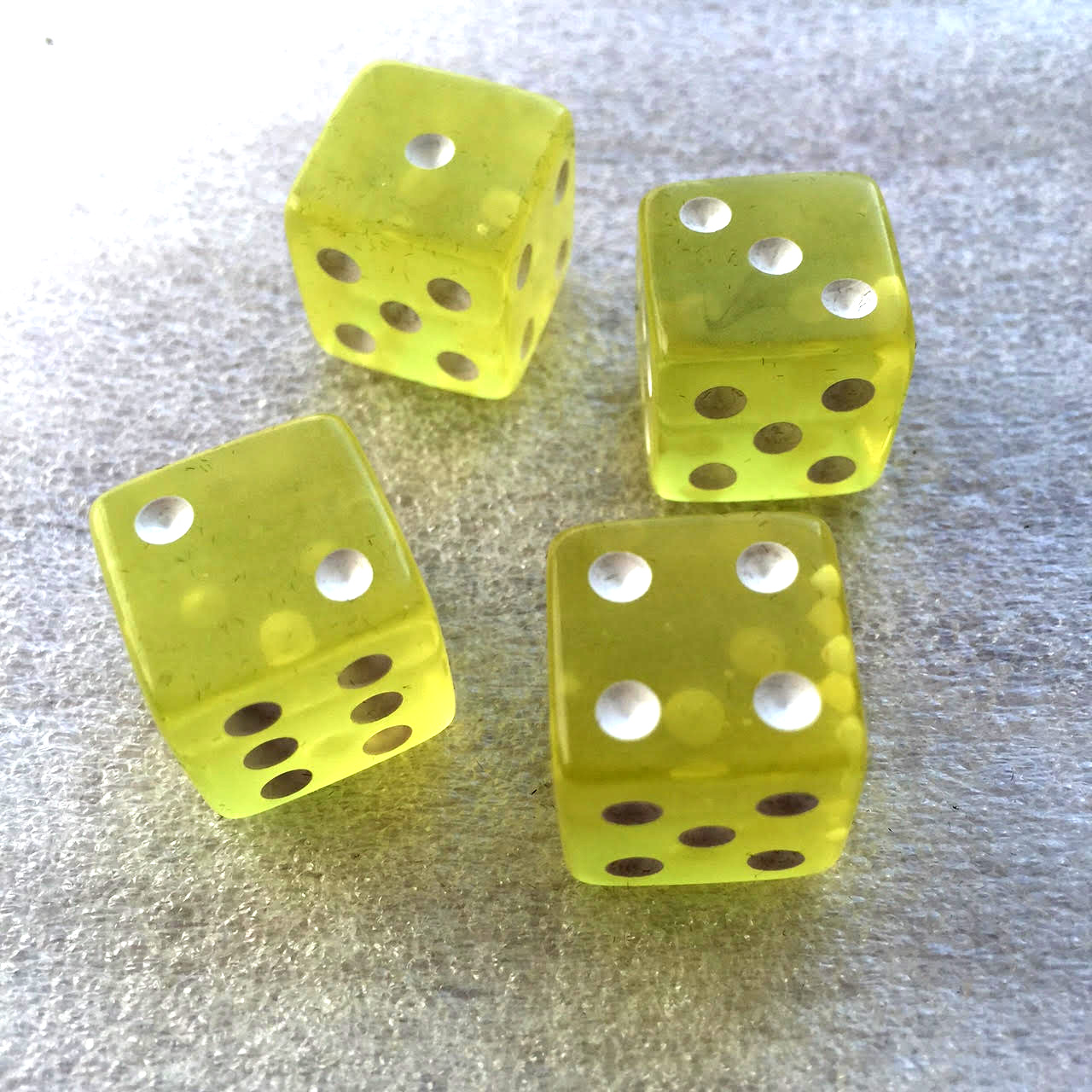 Yellow dice (x4 in the 1st add-on).