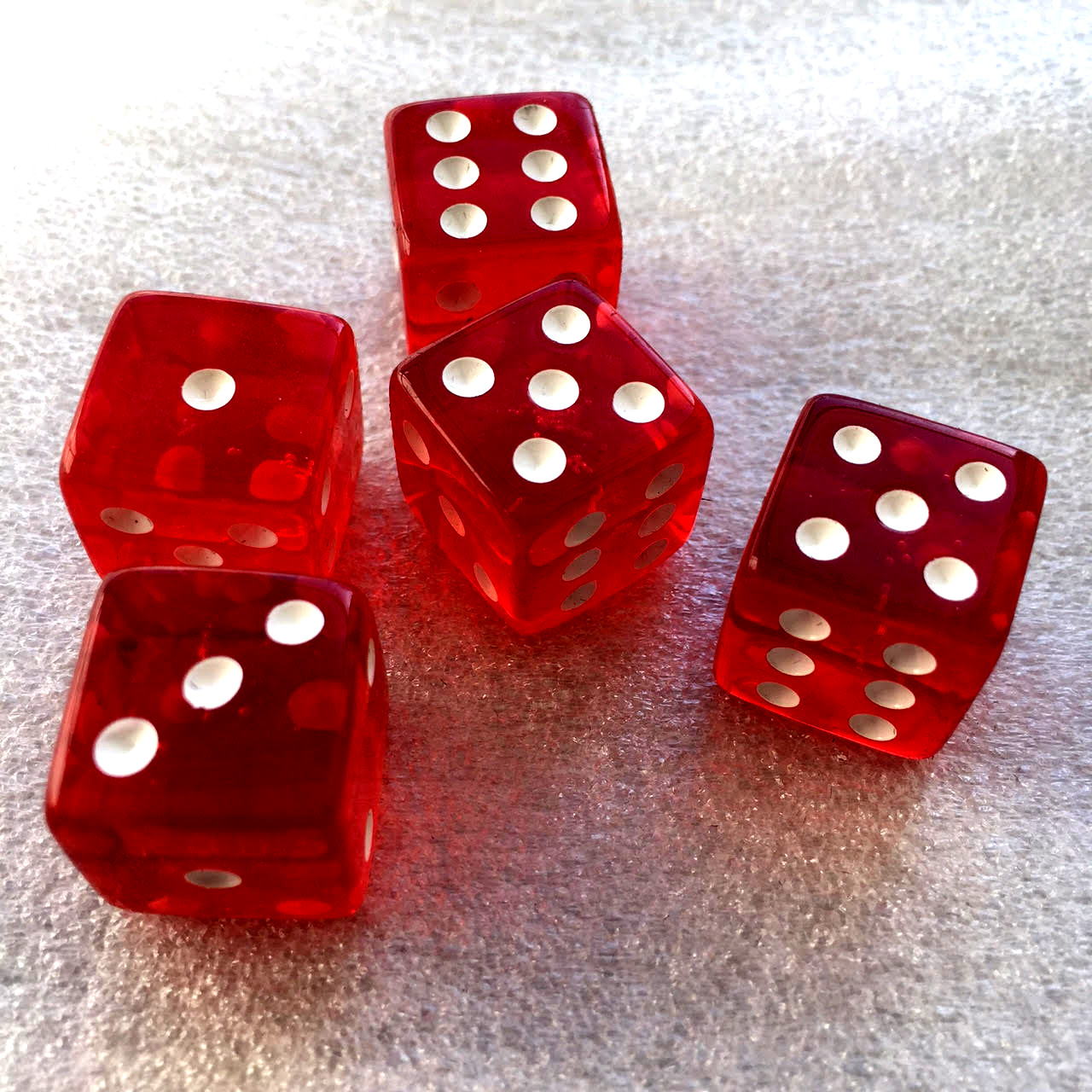 Red dice (x5 in the basic bag).