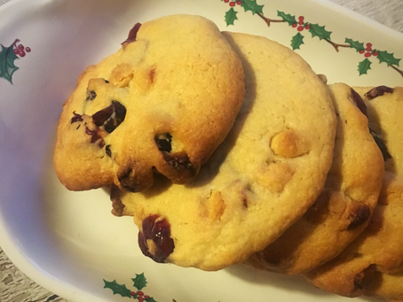 Blogmas Day 5 - Christmas Cranberry And White Chocolate Biscuits