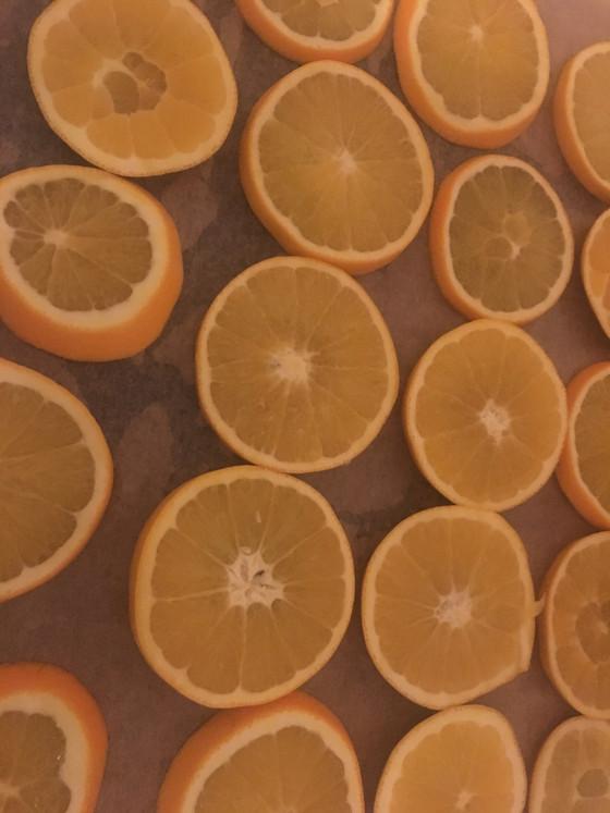 Blogmas Day 3- Drying Oranges