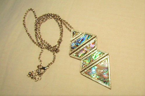 Abalone pendant with necklace