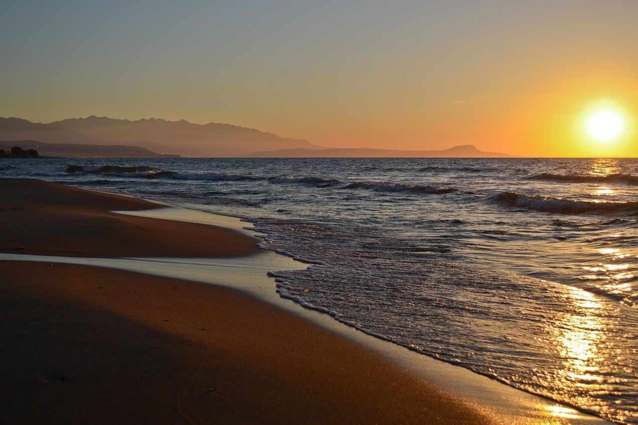 strand mit Sonnenaufgang.jpg