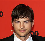 Ashton_Kutcher_by_David_Shankbone.jpg