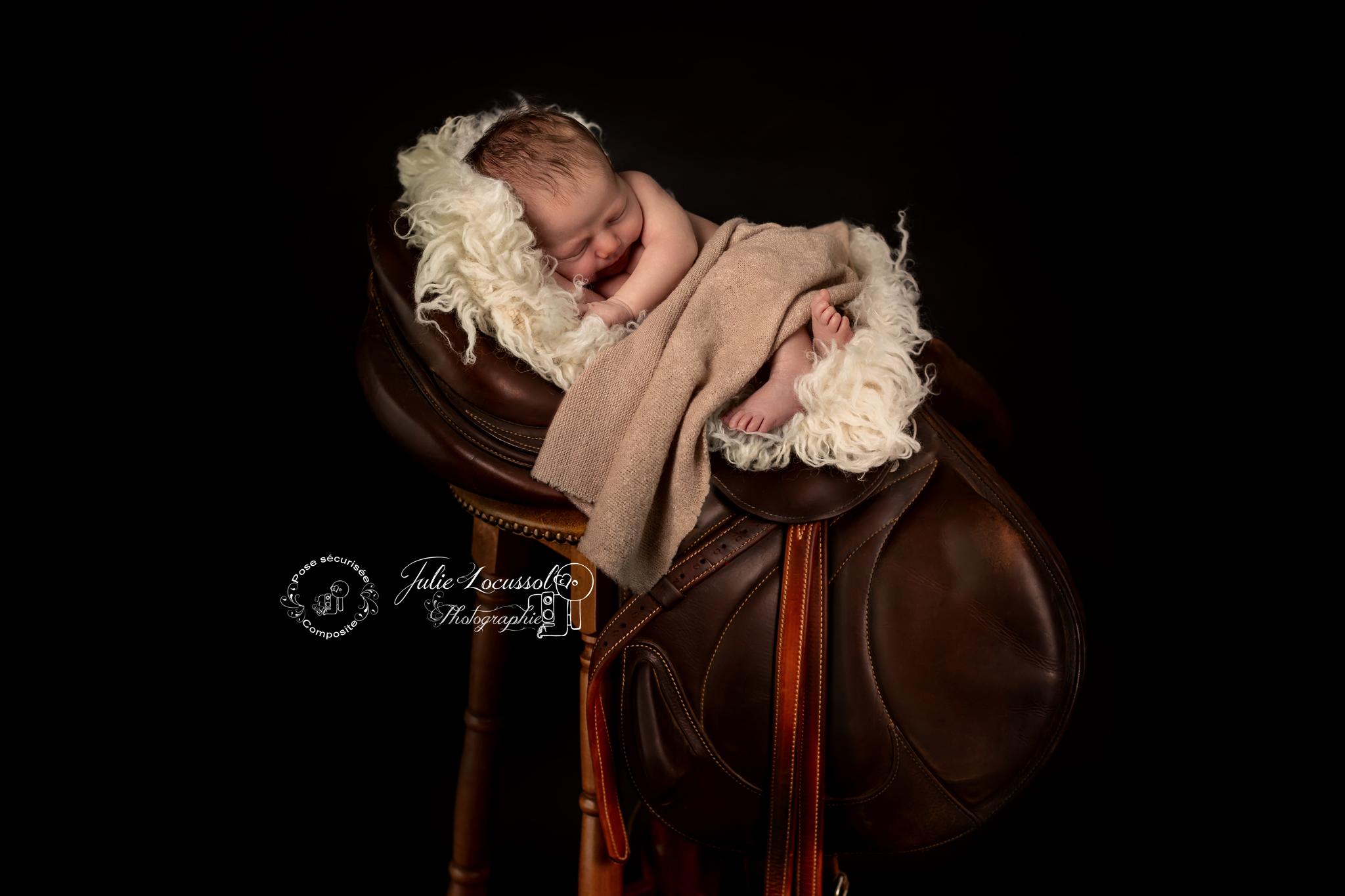 Photographe bébé artistique
