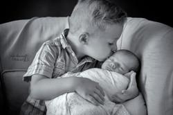 séance photo bébé et grand frère