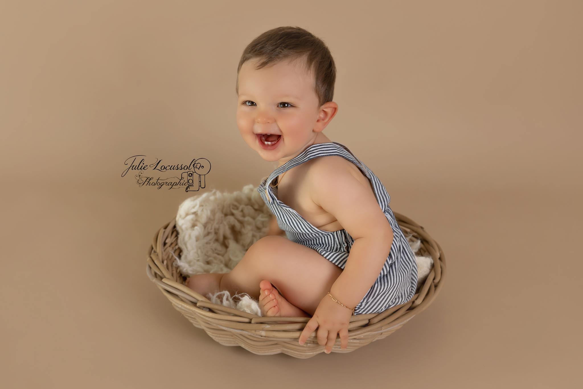 Photographe bébé Chasseneuil