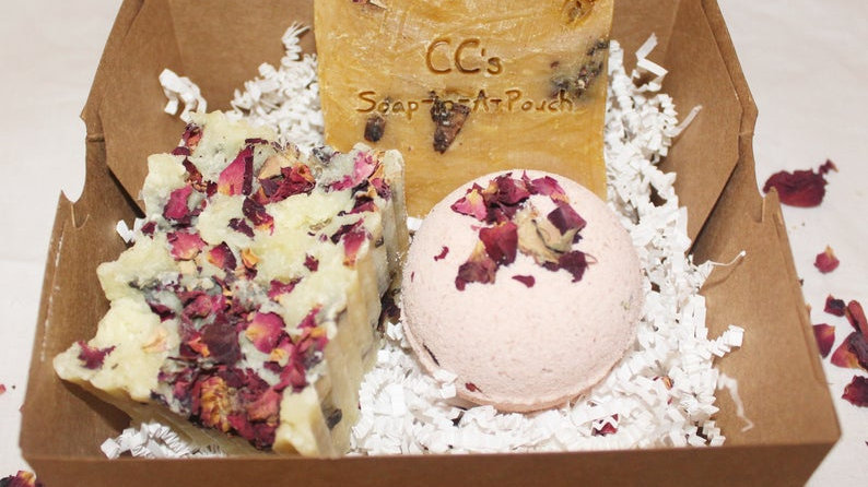 Rose Garden Soap and Bath Bomb Gift Set