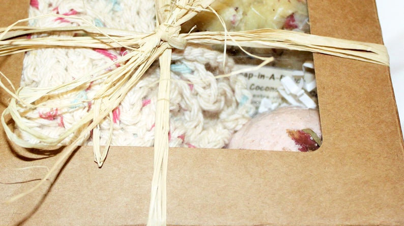 Rosebuds Spa Gift Set