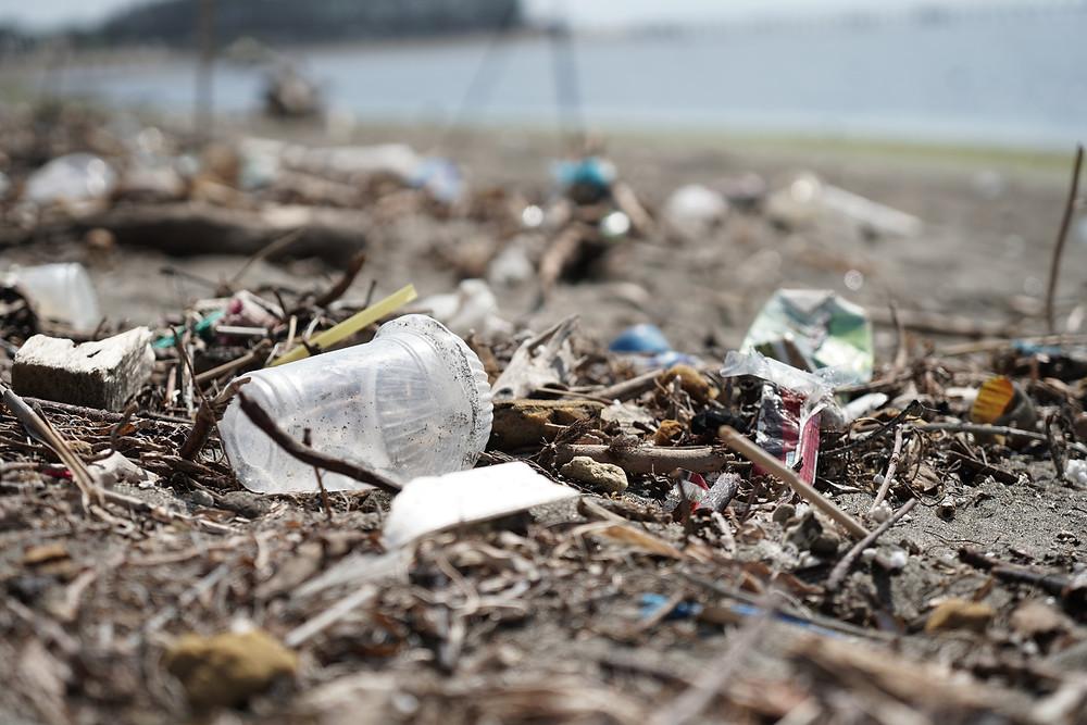 Είναι η δημοσίευση του location ο λόγος της ρύπανσης στην Κύπρο; σκουπίδια πλαστικά