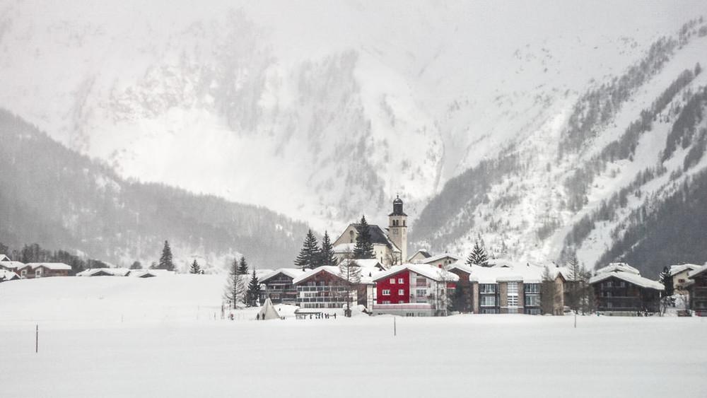 Μάθε πως να κάνεις το ταξίδι σου στην Ελβετία οικονομικότερο!