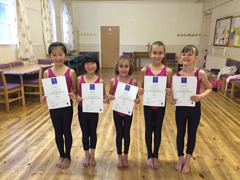 Young dancers from TJH Dance with exam pass cerftifficate