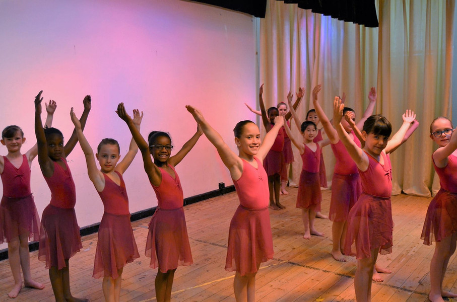 Class of young ballet dancers