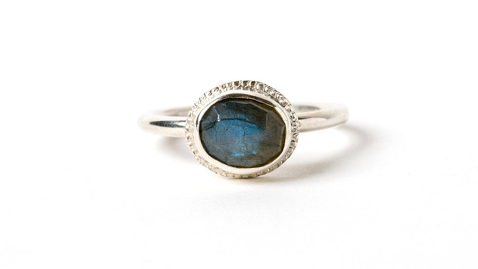 OVAL LABRADORITE STERLING SILVER RING