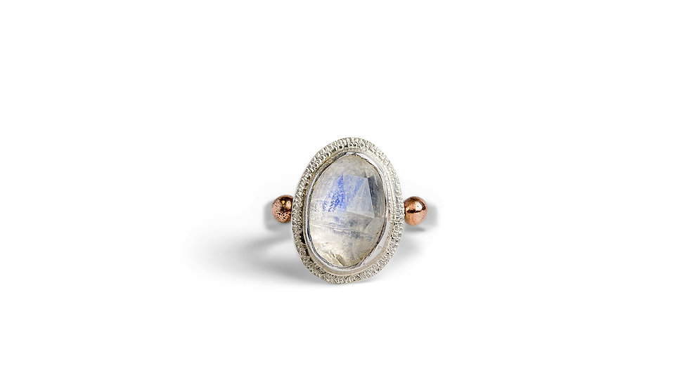 Moonstone ring in sterling silver and 14k rose gold