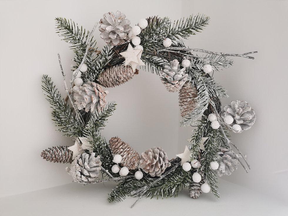 Winter Wonderland Wreath.jpg