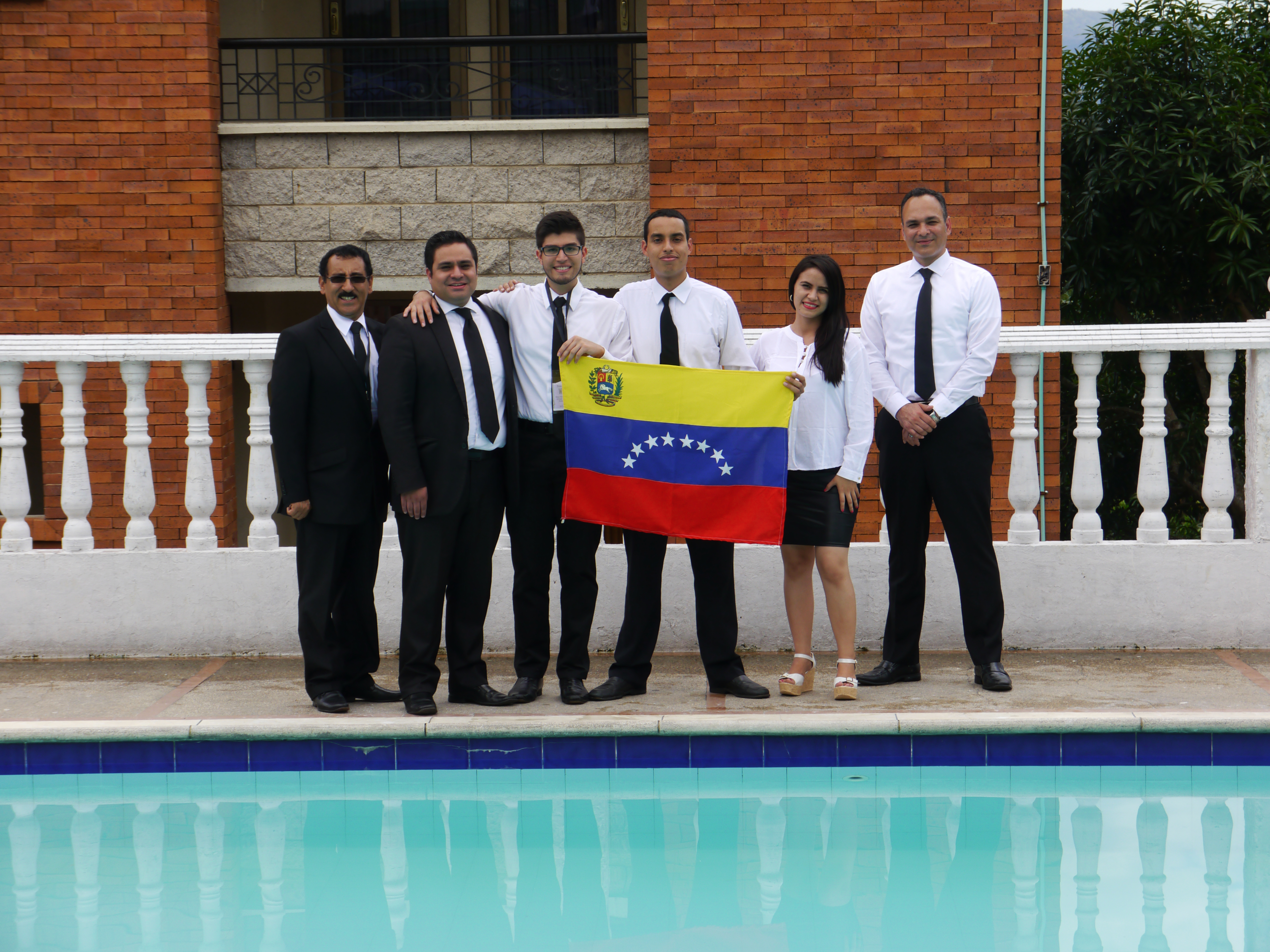 Juventud Peru y Venezuela