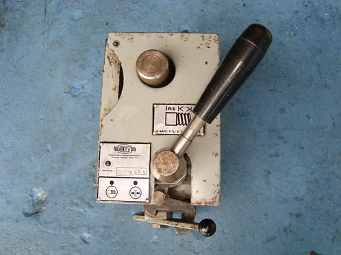 COLCHESTER TRIUMPH 2000  AINJEST RAPID THREADING ATTACHMENT (IMPERIAL)